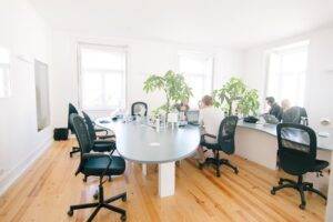 Encouraging Hot Desking With Office Furniture