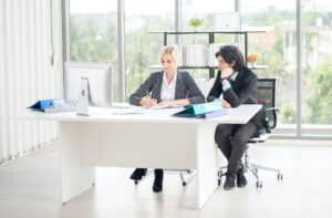 Here are a few suggestions for office furniture to make the training process of new employees a smooth transition from their previous position.